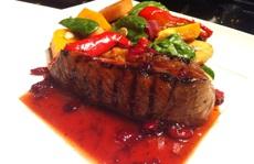 Đến biển Nha Trang thưởng thức... thịt đà điểu