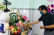 'Mai Vàng nhân ái' viếng nhạc sĩ Nguyễn Tôn Nghiêm