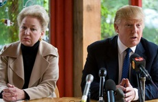 Tổng thống Trump phản ứng gì khi chị ruột hé lộ góc khuất về gia đình?