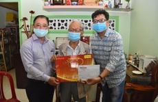 'Mai Vàng nhân ái' thăm NSƯT Thanh Nguyệt, đạo diễn Lê Văn Tĩnh