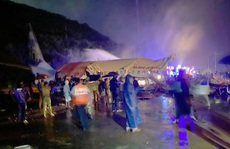 Máy bay Ấn Độ trượt đường băng, vỡ làm đôi, cả 2 phi công tử vong