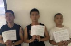 Công an quận 3 bắt 3 kẻ làm liều với 1 phụ nữ giữa đường
