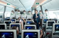 Chủ tịch Bamboo Airways xuất hiện trên khoang tặng quà hành khách trước thềm Quốc khánh 2-9