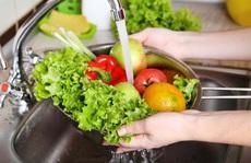 Rửa độc chất trên rau củ quả theo… kiểu Mỹ