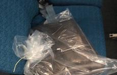 Từ Hà Nội vào TP HCM, khách bỏ quên 300 triệu đồng trên hộc hành lý máy bay