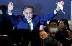 Ông Yoshihide Suga lãnh đạo đảng cầm quyền, cầm chắc ghế thủ tướng Nhật Bản