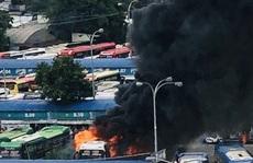 Cháy xe khách trong Bến xe Miền Đông