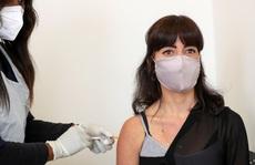Nhiều nước khẩn trương gom vắc-xin Covid-19