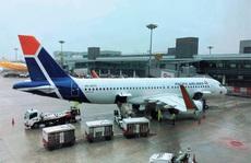 Sân bay Cần Thơ đón 2 chuyến bay chở 360 người Việt từ Singapore