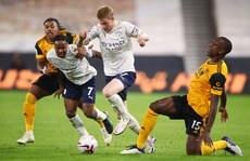 Wolves - Man City: Á quân khai cuộc đại thắng