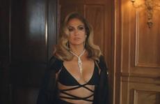 Jennifer Lopez khoe dáng cuốn hút với thiết kế Công Trí