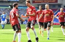 Hưởng phạt đền khi trận đấu đã kết thúc, Man United ngược dòng điên rồ trước Brighton