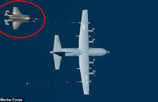 Tiêm kích tàng hình của Mỹ rơi sau khi va chạm với máy bay tiếp nhiên liệu