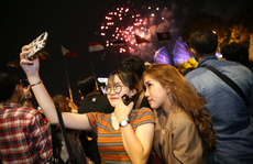 TP HCM rực rỡ pháo hoa chào đón năm mới 2021