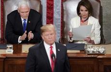 Hạ viện Mỹ 'chuyền bóng' cho ông Pence trước khi 'áp sát' Tổng thống Trump