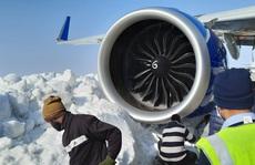 Máy bay chở 233 hành khách bị hỏng vì đâm phải tuyết