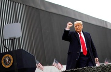 Tổng thống Donald Trump: Không thể phế truất được tôi!