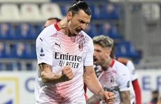Ibrahimovic hâm nóng cuộc đua 'song mã' Serie A