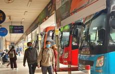 Vé xe dịp Tết: Nhà xe hét giá 'cắt cổ', khách vẫn liều mua