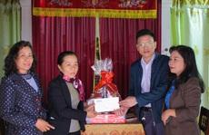 Trao quà 'Xuân nhân ái - Tết yêu thương' cho 2 giáo viên mắc bệnh hiểm nghèo