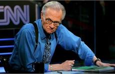 MC nổi tiếng Larry King nhập viện vì Covid-19
