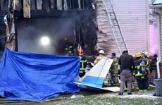 Mỹ: Máy bay lao vào nhà dân, 3 người thiệt mạng