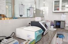 Máy xét nghiệm SARS-CoV-2 mới mua đã hỏng, tỉnh Đắk Nông phải đi xét nghiệm nhờ