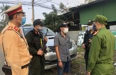 Đà Nẵng: Chặn đứng một ô tô chở 3 người Trung Quốc nhập cảnh trái phép
