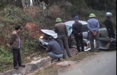 Tài xế ôtô bán tải nguy kịch sau cú tông trực diện với xe tải chở đá