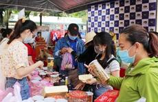 Hàng ngàn công nhân tham dự 'Phiên chợ nghĩa tình'