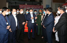 Bí thư Vương Đình Huệ kiểm tra đột xuất nơi cách ly hơn 70 giáo viên, học sinh