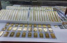 Giá vàng hôm nay 12-2: Quay đầu giảm mạnh, người mua mất nửa triệu đồng/lượng