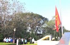 CLIP: Chào cờ chủ quyền Tổ quốc vào sáng mùng 1 Tết