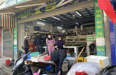 Đi chợ đầu năm: Hải sản tăng giá, hoa tươi rẻ hơn trước Tết