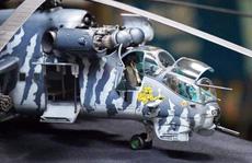 Chiêm ngưỡng bộ sưu tập máy bay mô hình gần 100 chiến đấu cơ của vị thượng tá