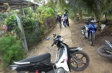 CLIP: Lại phá trường gà ở Tiền Giang, nhiều đối tượng tháo chạy