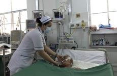 Huy động bác sĩ 5 chuyên khoa cứu bệnh nhân 'ho ra máu sét đánh'