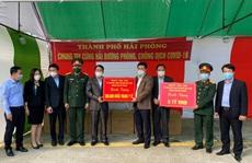 Hải Phòng trao 5 tỉ đồng và 500.000 khẩu trang y tế tặng Hải Dương