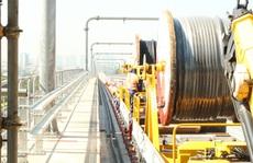 Thi công cấp điện toàn tuyến, metro số 1 gấp rút về đích