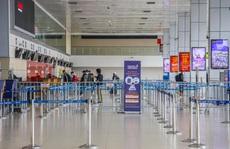 Cao điểm Tết Tân Sửu 2021, sân bay Nội Bài vẫn vắng hoe