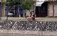 Hôn nhau trong công viên lúc giãn cách xã hội, đôi nam nữ ở Hải Dương bị phạt 4 triệu đồng
