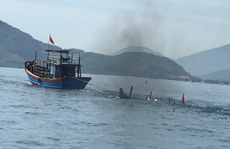 Tàu không người lái chạy lòng vòng, đôi vợ chồng ngư dân chết bất thường dưới biển