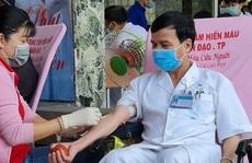 Chỉ hơn 3 tiếng, y bác sĩ, nhân viên Bệnh viện Thống Nhất hiến hơn  60.000 ml máu