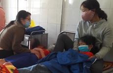 Sau bữa ăn trưa ở trường, hàng chục học sinh tiểu học nhập viện