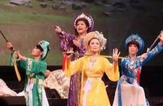 Nghệ sĩ hải ngoại tất bật chuẩn bị Tết Việt để đỡ nhớ quê hương