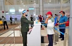 Hàng không nâng cảnh báo phòng chống dịch lên mức cao nhất, giá vé máy bay Tết giảm sâu