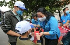 'Chuyến tàu mùa Xuân' đưa 500 gia đình công nhân về quê đón Tết