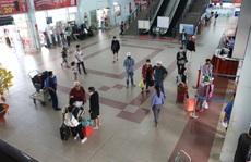 Bến xe, nhà ga ở TP HCM cận Tết vẫn hóng khách