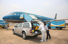 Covid-19: Xét nghiệm lại tất cả nhân viên sân bay Tân Sơn Nhất đi làm ngày mai