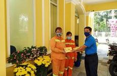 Động viên công nhân làm việc xuyên Tết